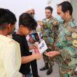 کمک رسانی به هم نوعان در قالب بسته های معیشتی ، بهداشتی و فرهنگی توسط ارتش در خرمشهر
